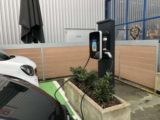 Plug-in-Hybrid beim Laden