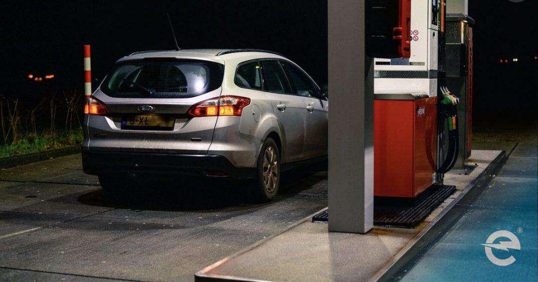 Synthetischer Kraftstoff: Keine Chance gegenüber Elektrofahrzeugen