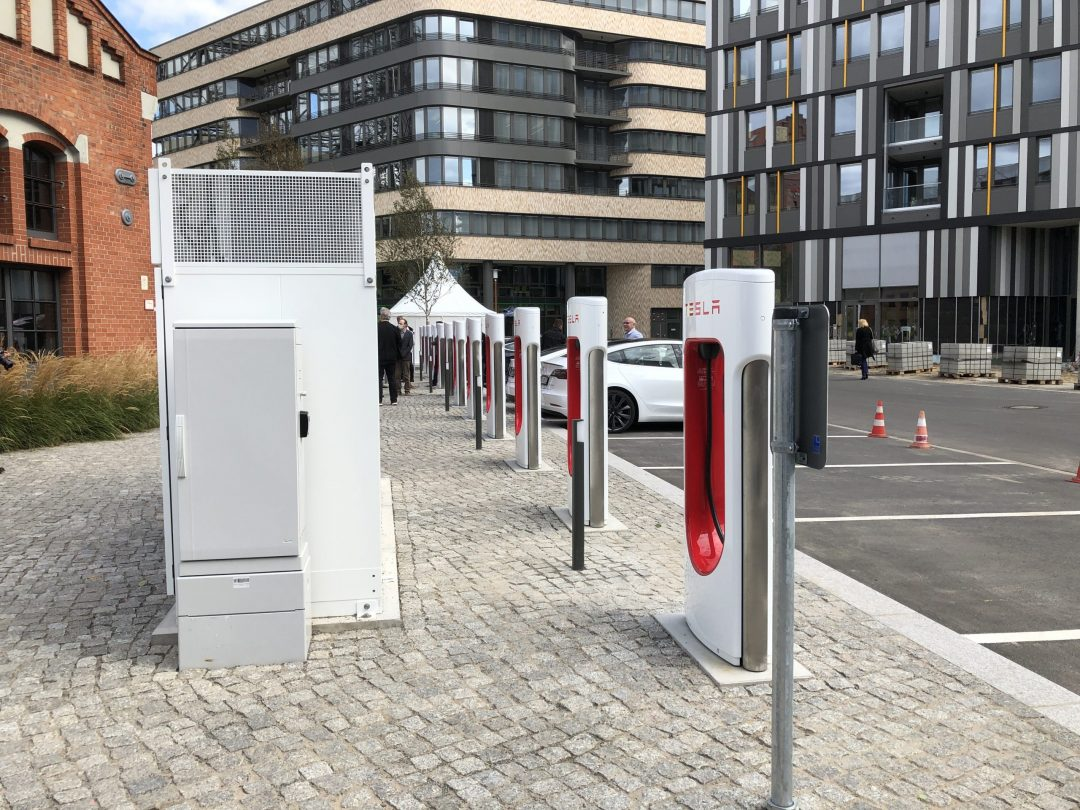 Tesla: Supercharger in der Stadt – eine Zukunftsversion soll helfen