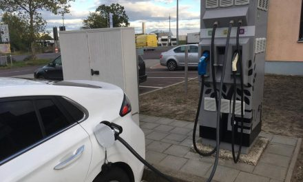 Elektromobilität: Innovationsprämie bringt Autohändlern Probleme