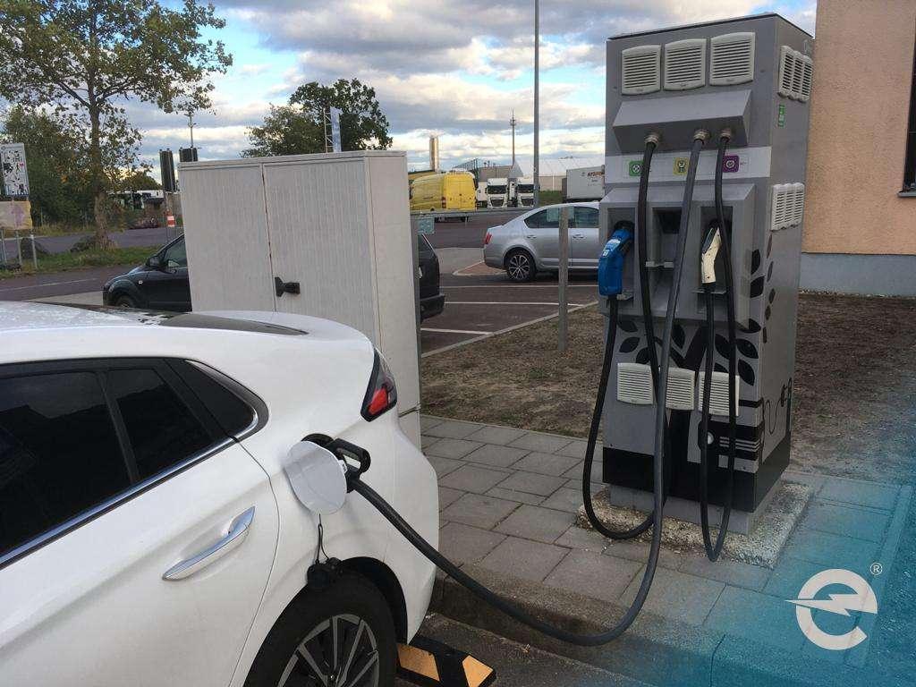 Elektromobilität: Innovationsprämie bringt Autobauern Probleme