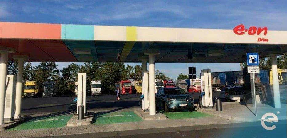 Elektromobilität: Wer steht auf der Bremse?   emobicon